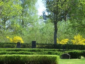 Varv kyrkogård